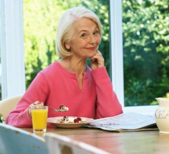 老人是否该服用保健食品