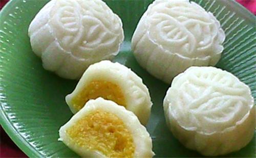 芒果椰蓉冰皮月饼的做法