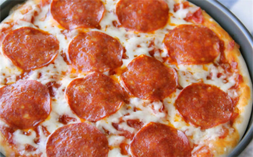 铁盘Pepperoni披萨的做法