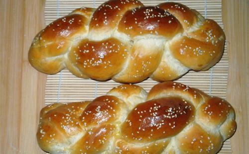 【2020】四股辫子面包的做法